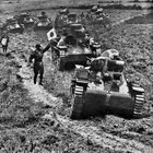 ErtGRMgw1REEnlAc7itsee8xtiMP eIT4LfTbBlMdcY Japanese armour manoeuvring in rural China, 1941